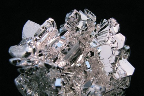 Magnesium-crystal-distilled-2-800x533